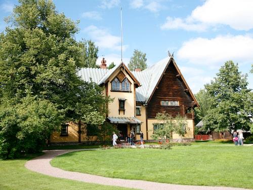 Zorngården byggdes och inreddes kring sekelskiftet och har i princip stått orörd sedan paret Zorns tid.