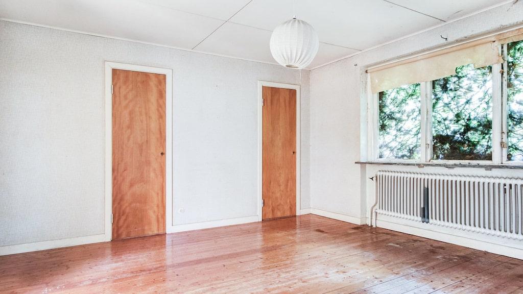 Flera sällskapsrum, totalt är det 6 rum och kök.
