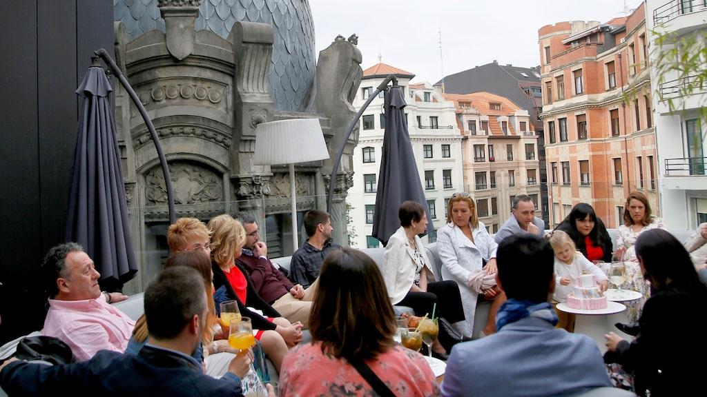 Takterrassen på Restaurante Yandiola i kulturhuset Alhóndiga.