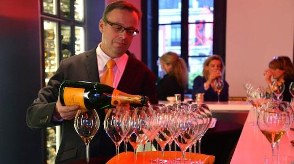 Champagne är känt för sin bubbliga dryck med samma namn