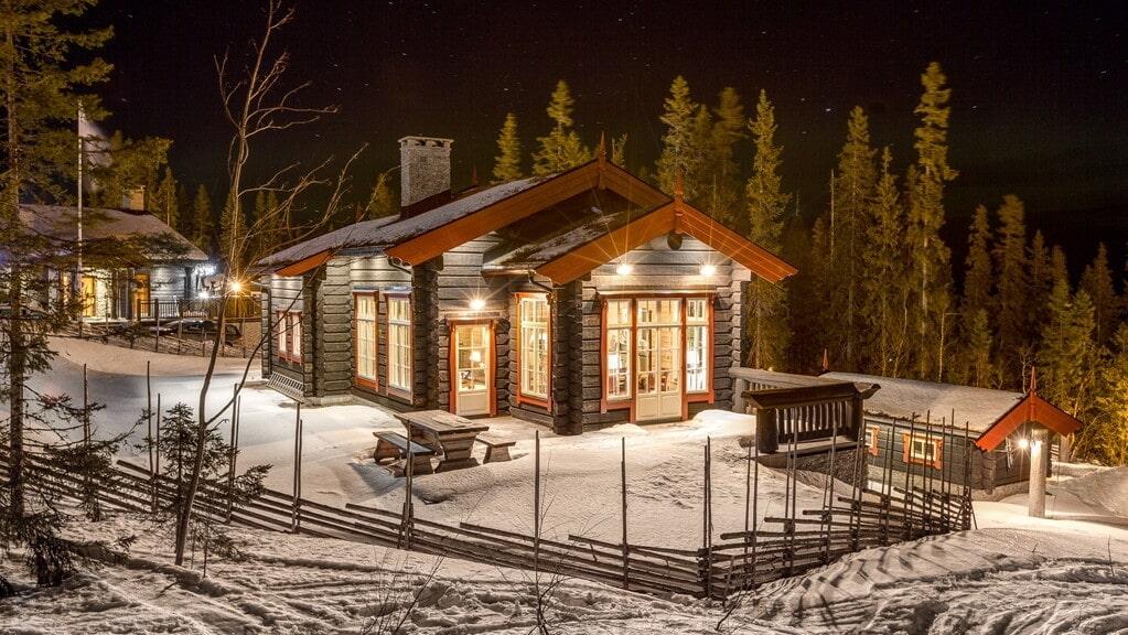 Just nu ligger en stuga i Sälen, Lindvallen, ute till salu på Hemnet för hela 18 miljoner kronor.