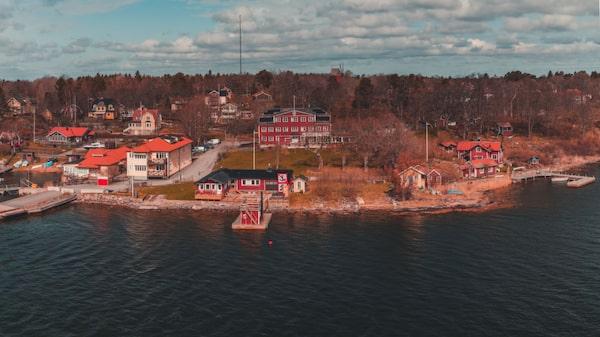 Besök Astrid Lindgrens sommarställe på Furusund.