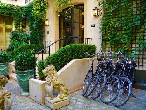 På hotell Relais Christine kan du låna cyklar.