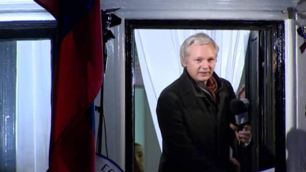 Forhor med julian assange stalldes in