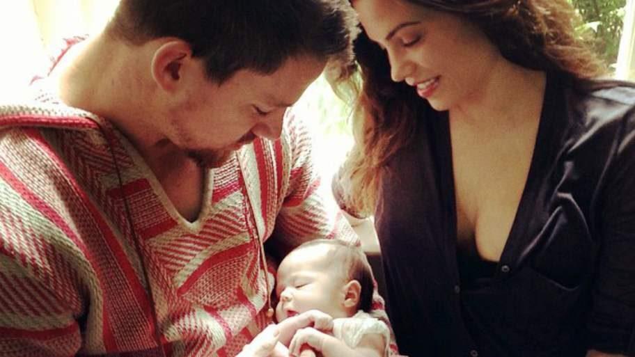 <strong>Channing Tatum</strong> masserade frun Jenna Dewans mage med kokosolja under hennes graviditet, har han sagt till Metro.