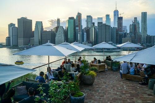 1 Hotel Brooklyn Bridge har en oslagbar utsikt över Manhattans skyline.