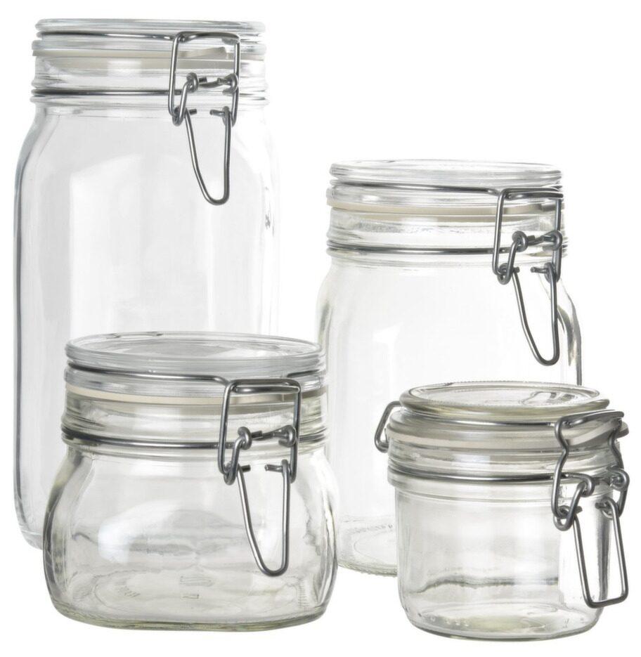 Glasburkar. Förvara saker framme i burkarna med spännlock, från 29 kronor styck, lagerhaus.se.