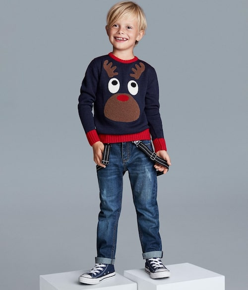 Jultröjan är från KappAhl och kostar 199 kronor.