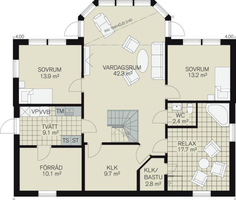 På sluttningsplanet finns ett bra vardagsrum och en riktigt stor  relaxavdelning med plats för bastu. Extra plus för separat wc.