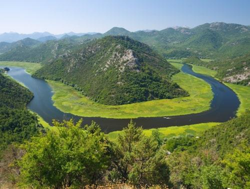 Skadarsjön är Balkans största sjö.