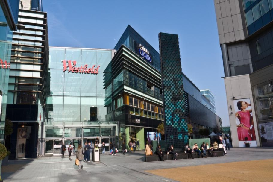 Den riktigt shoppingsugne tar en tripp till Europas största urbana shoppingcenter - nyöppnade Westfield Stratford City i östra London.