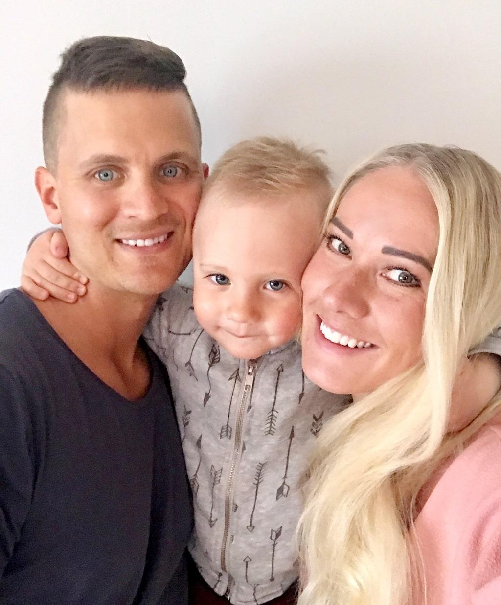 Marléne, Anton och sonen Alve bor i en vit mexitegelvilla från 70-talet i Holmsund utanför Umeå.