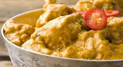 Ett ämne i gurkmeja, som gör curryn gul, kan ha effekt mot cancer.