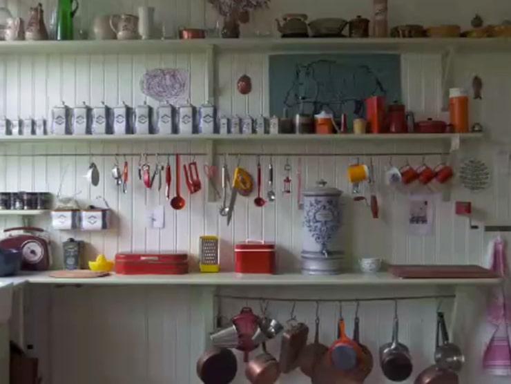 Mycket prylar är det i köket...