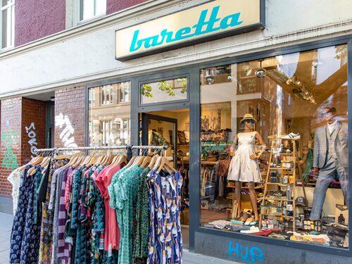 Kul shopping på Susannenstrasse, här retrobutiken Baretta.