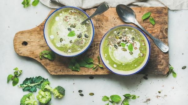 Grön broccolisoppa