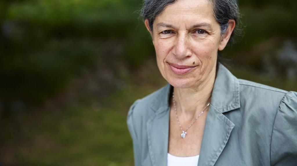Annelie Brauner är professor i klinisk bakteriologi på Karolinska institutet. Här svarar hon på vad som egentligen är sant om urinvägsinfektion.
