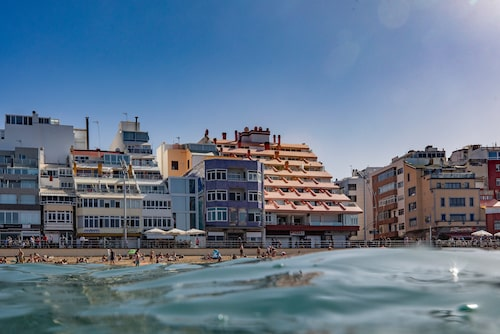 Bästa delen av stranden är mellan Calle Kant och Calle Olof Palme.