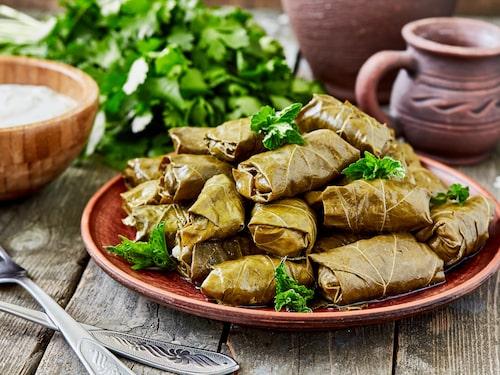 Ät god mat på Akathis takterrass.