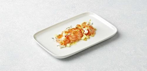 Tommy Myllymäkis favorit på menyn är denna laxrätt med krispiga grönsaker.