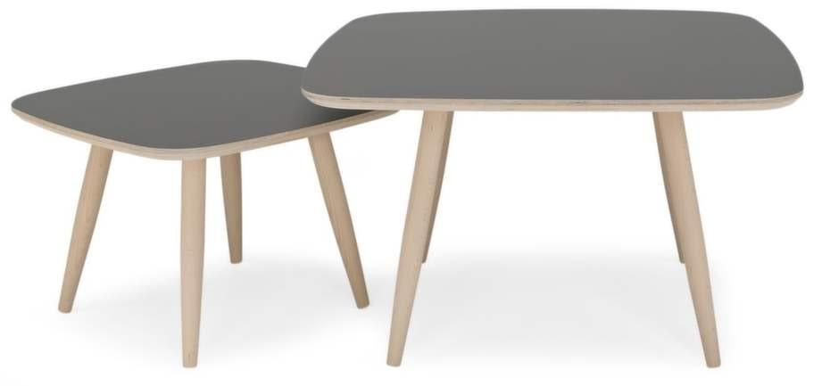 Saker som passar till en Wing chair 2:<br>Soffbord Timeless i laminat, 4 995 kronor för det stora bordet, Svenska hem.