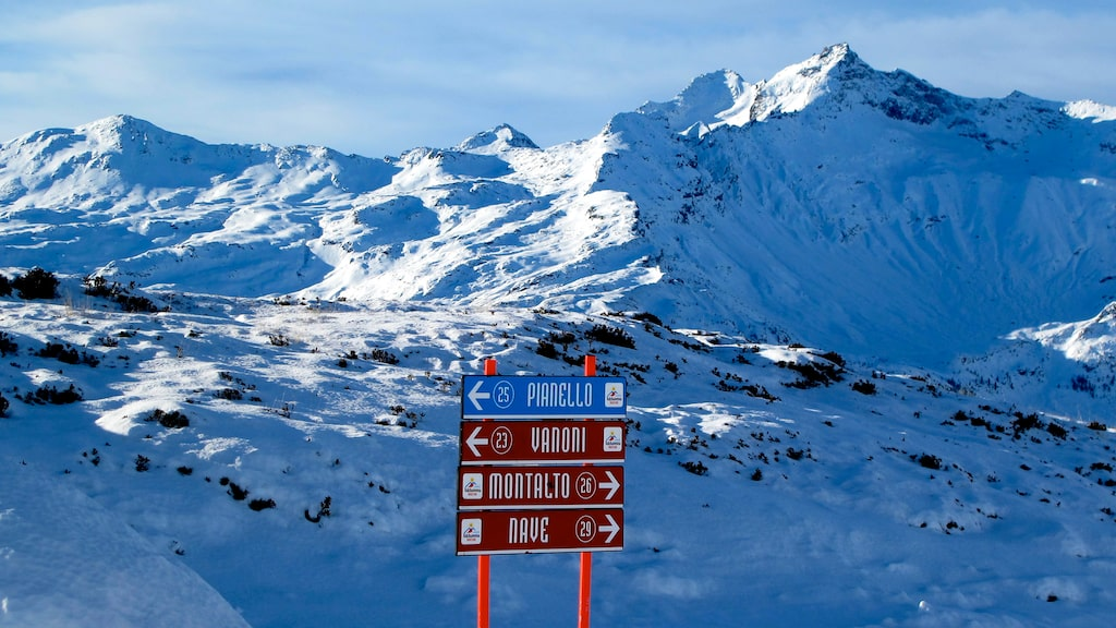 Madesimo ligger i norra Italien på gränsen till Schweiz.