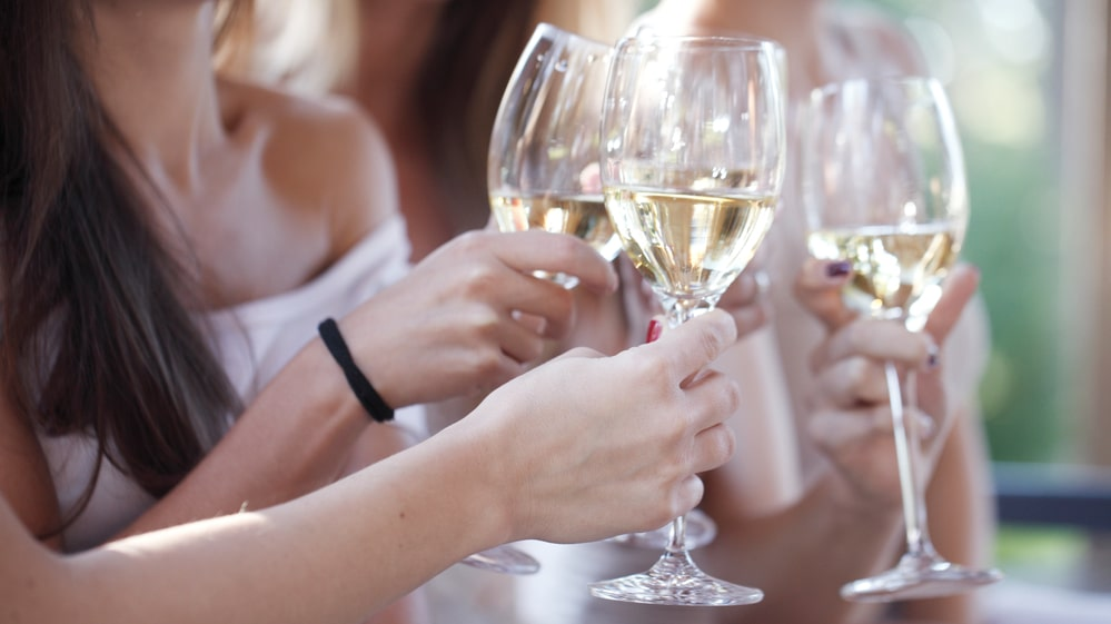 Lösningen på ett gott, alkoholfritt alternativ i andra, genuina alternativ som inte försöker efterlikna något som de inte är.