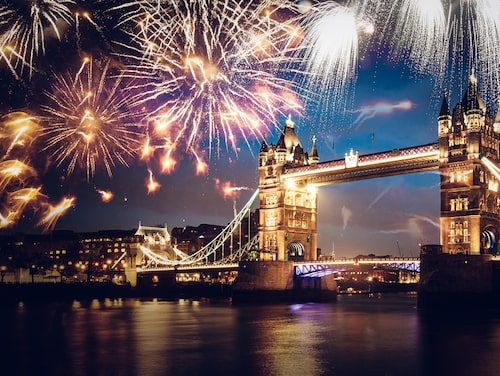 London är en av städerna där unga trendiga svenskar firar nyår.