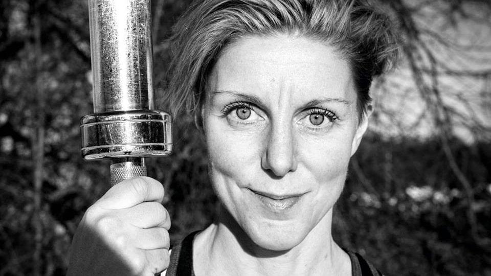 PT:n Elin Junsjö Bjärkstedt tycker om att bli riktigt trött när hon tränar.