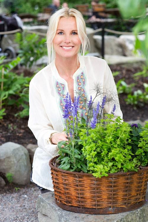 """""""Luktärter är mycket lätta att lyckas med. De ger mycket skönhet och glädje för pengarna"""", säger trädgårdsmästaren Victoria Skoglund."""