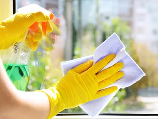 att putsa fönster