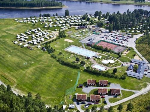 Kolla campingsplatsens faciliteter innan du väljer, de kommer i olika skick.