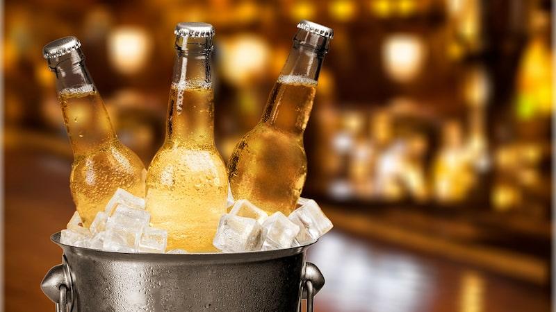 Ljusa mexikanska ölsorter är vanligast i Michelada. För en kraftigare version, välj mörkt öl.