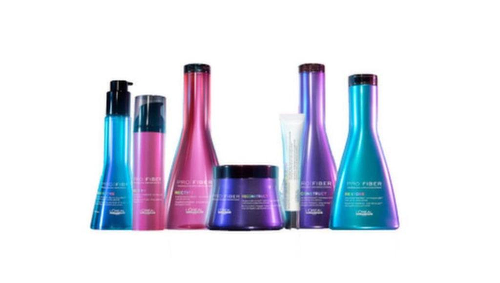 """<p><strong>Profiber, 199 – 299 kronor, L'Oréal professionnel</strong></p><p>Första behandlingen utförs på salong, sedan hemma i badrummet med stärkande schampo, balsam och ett förstärkande re-charge booster. Håret känns lite torrt och strävt, men upplever det som fylligare. God doft och snygg förpackning.</p><p><exp:icon type=""""wasp""""></exp:icon><exp:icon type=""""wasp""""></exp:icon><exp:icon type=""""wasp""""></exp:icon><exp:icon type=""""wasp""""></exp:icon><br></p>"""
