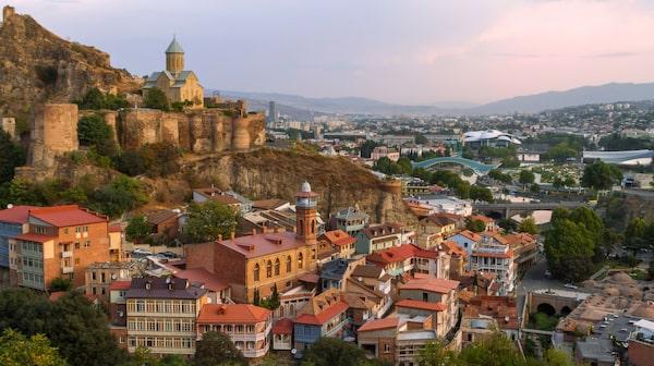 Natursköna vyer i Tbilisli i Georgien.