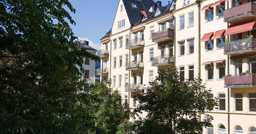 Fastigheten är ritad av arkitekten J A Vallin.