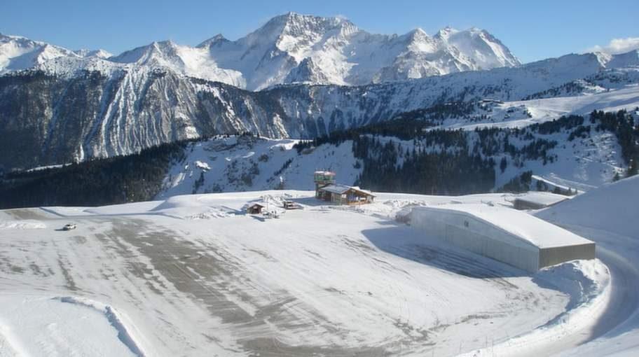 Courchevel, Frankrike. Den här flygplatsen på 2000 meters höjd i franska Alperna anses av många som världens farligaste.