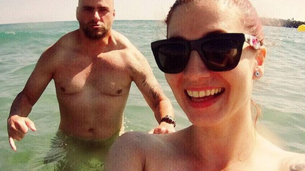 I Cap D'Agde blir ingen förvånad över att se en naken rumpa vid frysdisken.
