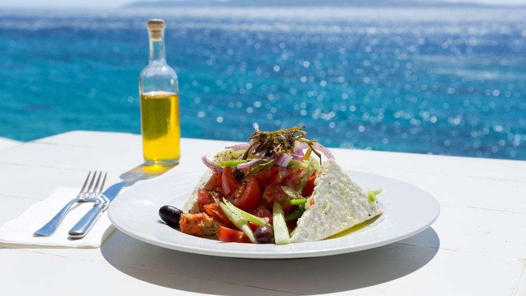 Favoritmaten på semestern är grekisk mat – hela 59 procent av svenskarna föredrar det grekiska köket.