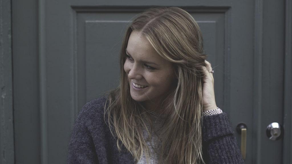 Kända inredningsbloggerskan och stylisten Johanna Bradford säljer sin vackra våning. Kika in!