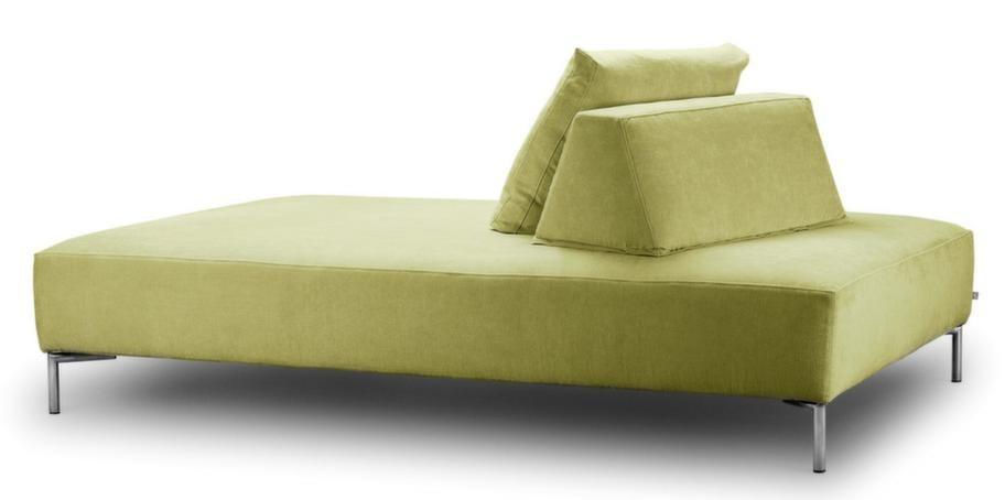 Dagbädd med lösa kuddar att lägga bakom ryggen för skönaste sitt- och liggkomforten, 26 415 kronor, Eilersen.