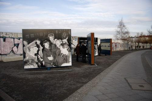 På bron vid Bornholmer Strasse öppnades gränsen allra först för 30 år sedan.