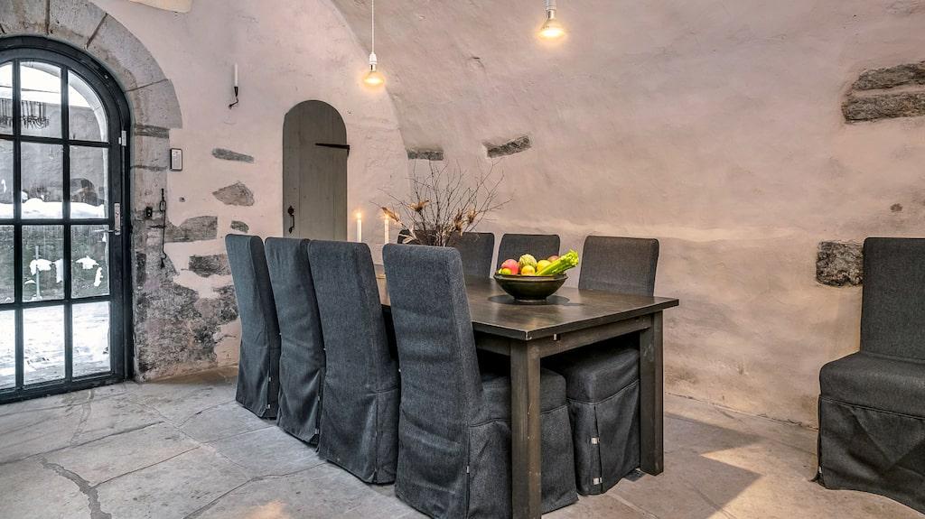 Matplats finns även i köket för upp till 10 personer.