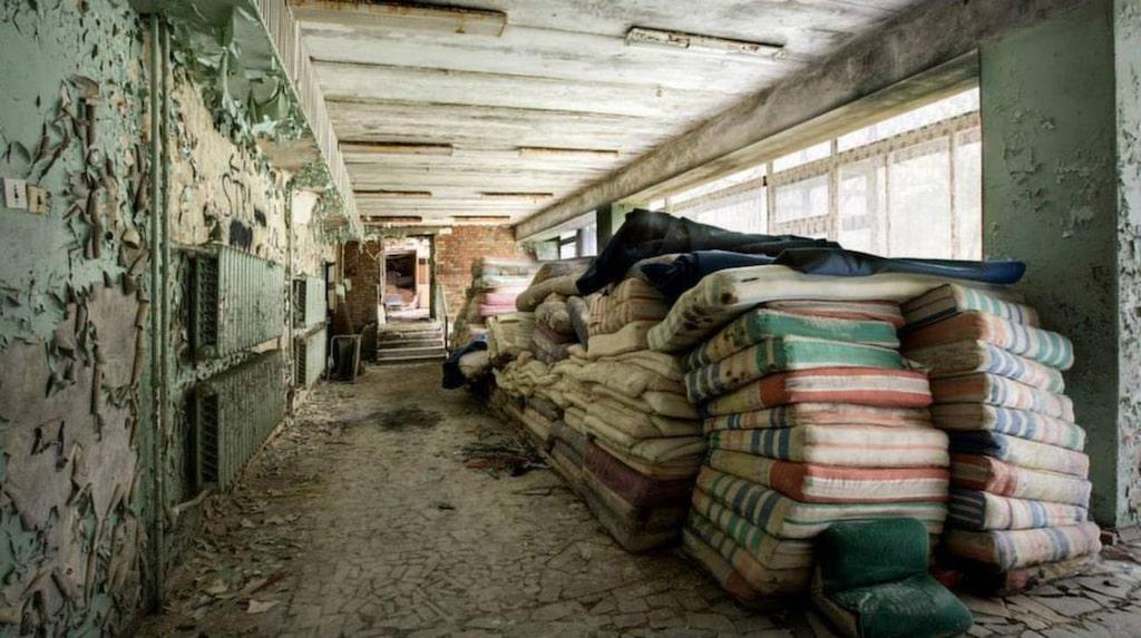"<p>Sanatorium i Ryssland. Foto: <a target=""_blank"" href=""https://www.facebook.com/media/set/?set=a.619190198161176.1073741935.194936157253251&amp;type=3"">Facebook/RebeccaLitchfieldPhotography</a></p>"