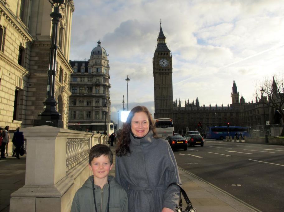 Big ben och brittiska parlamentet är ett måste när Anna Wahlgren gör London med sonen Jack, 7.