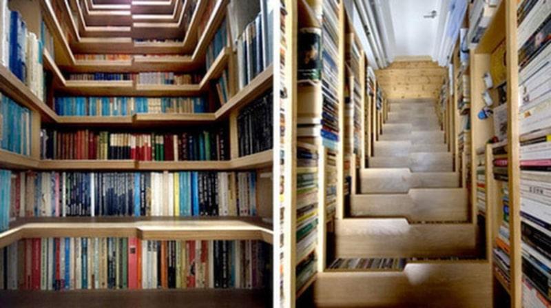 Om du har bor trångt men ändå har en trappa – ta vara på trappans utrymme! Du kan få in en hal bokhylla genom att bygga hyllor i trappan.
