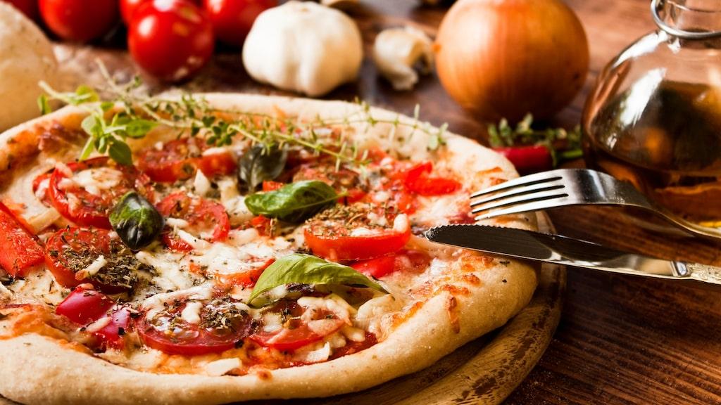 Låt pizzafyllningen vägleda till vilket sorts vin du ska välja.