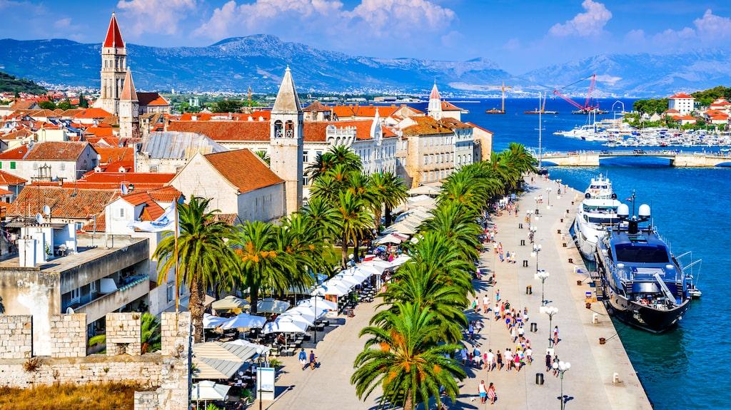 Tågluffa söderut från Budapest och bada skönt vid Kroatiens kust.