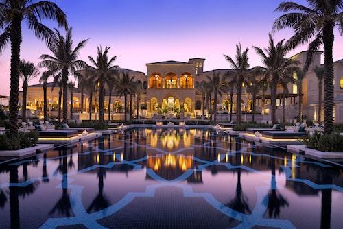 """One & Only The Palm ligger längst ute på """"palmen"""" i Dubai."""