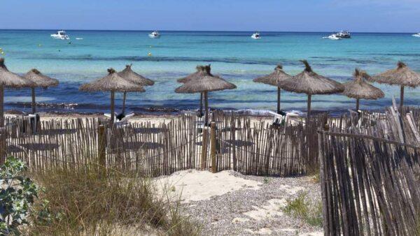 Es Trenc är en strand på södra Mallorca.